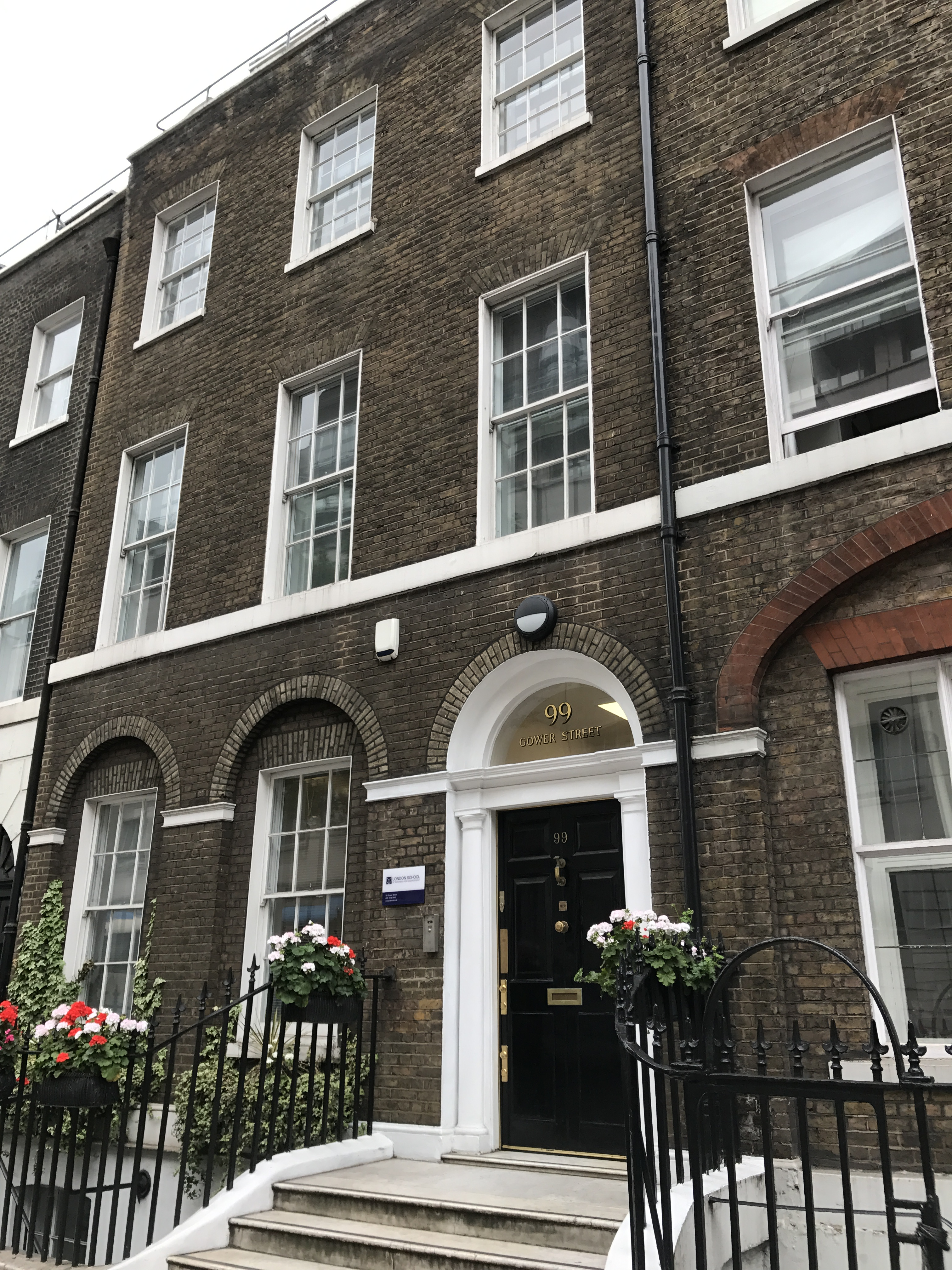 London School of Business and Management take self-contained education/office building in Gower Street